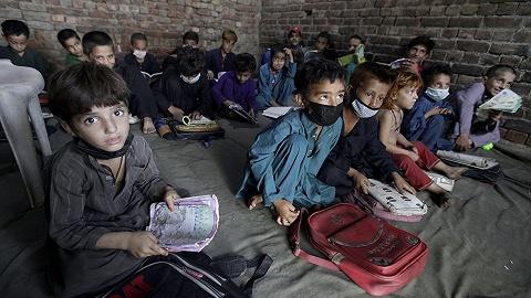 专访联合国难民署:喀布尔失守近一个月,会出现阿富汗难民潮吗?