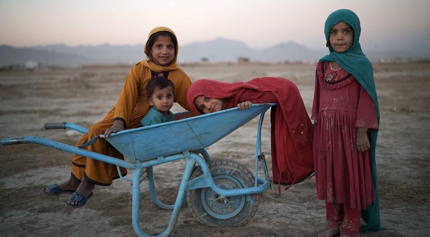 华信娱乐官网百万儿童面临饥饿,2000家医院有关门风险:阿富汗人道主义危机加剧