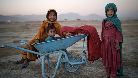 百万儿童面临饥饿,2000家医院有关门风险:阿富汗人道主义危机加剧