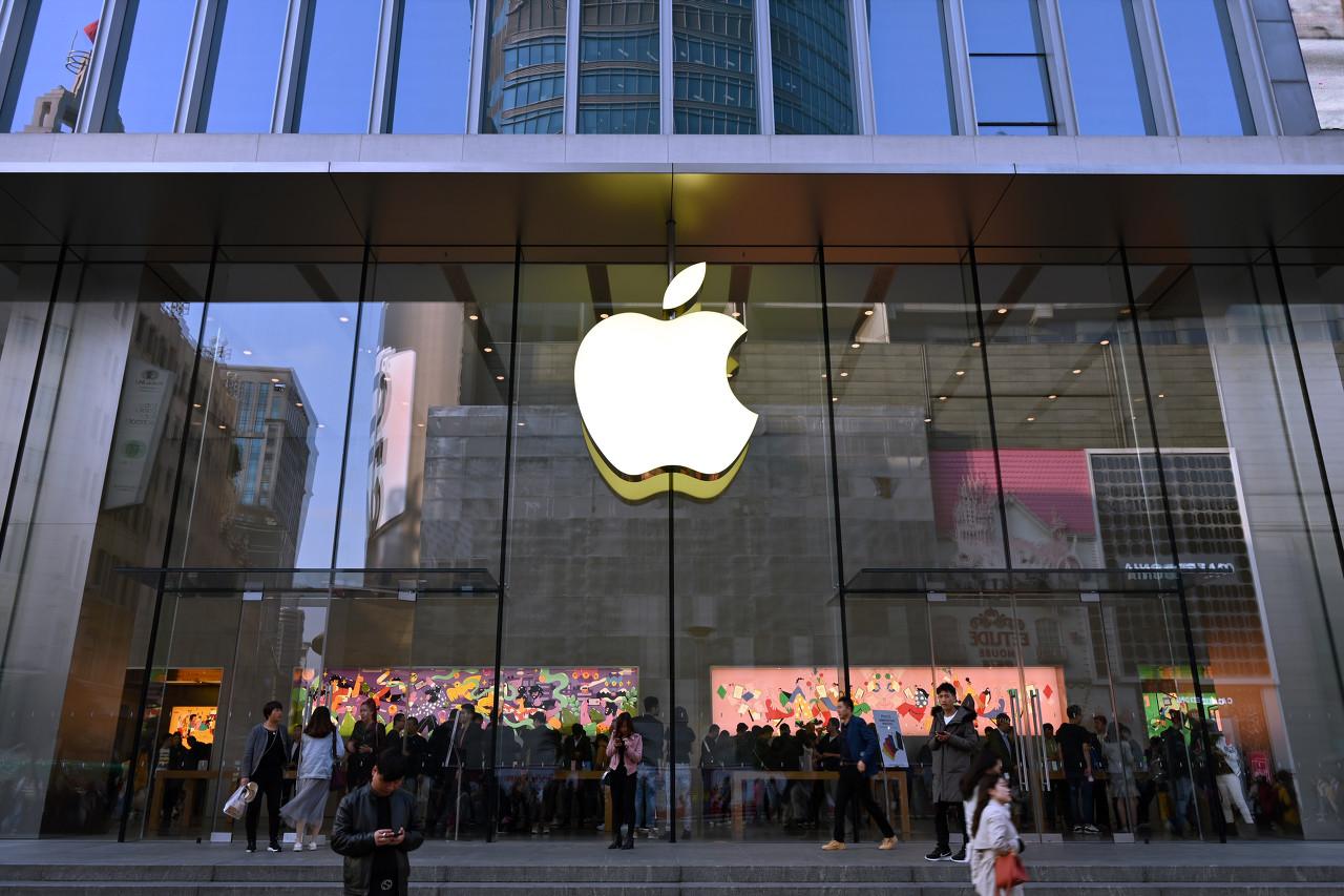 天富代理注册黄牛入场、股市遇冷,iPhone 13系列能否靠降价抢夺更多市场份额?