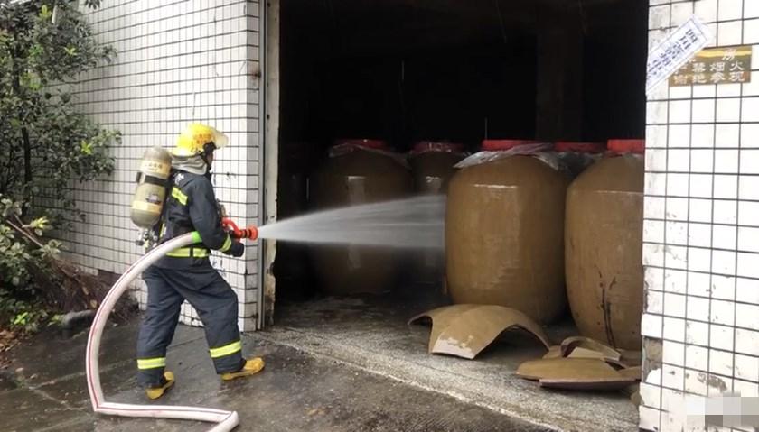 华信平台注册地方新闻精选 | 四川泸县地震致200余吨白酒泄漏 北京地铁对二孩和三孩免票