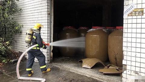 真正的澳门金沙新闻精选 | 四川泸县地震致200余吨白酒泄漏 北京地铁对二孩和三孩免票