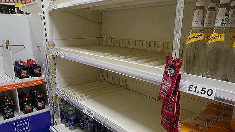 货车司机严重短缺干扰供应链,英国超市和加油站出现恐慌抢购