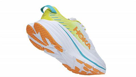 一周运动新品|Hoka上新超轻中底跑鞋,361° AG1 PRO推新配色