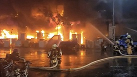 """台湾高雄""""城中城""""大火致46死41伤,7楼以上伤亡惨重"""
