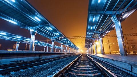 川南城际铁路高坡双线大桥今晨4点合龙