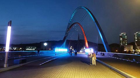 推动夜间经济发展,广州计划新增四条分时制步行街