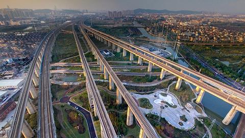 山东两条高速公路同日通车,两条同日动工
