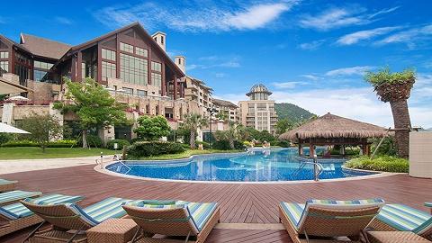 三亚旅游市场持续回暖,多家高端酒店预订量超90%