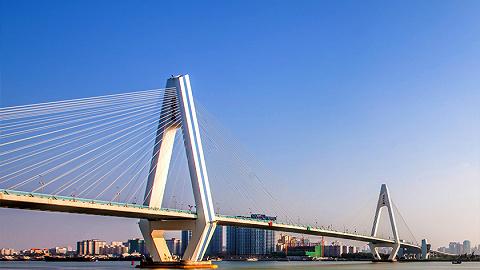 海南省重点项目今年累计完成投资483亿元