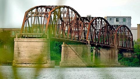 图集丨湮没岁月的南渡江铁桥