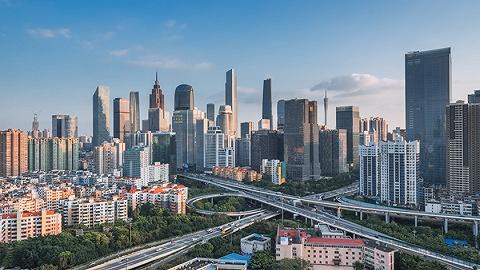 最新资讯   龙华山水华庭认筹24批、深圳二手房月均过户量创10年新低